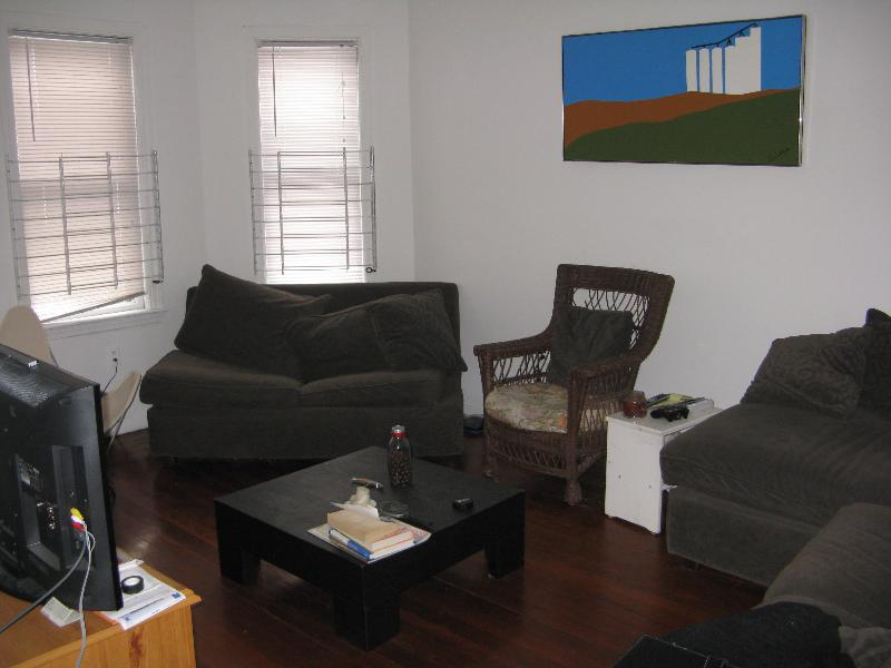 Attractive 3 Bd on Haskell St., Photos