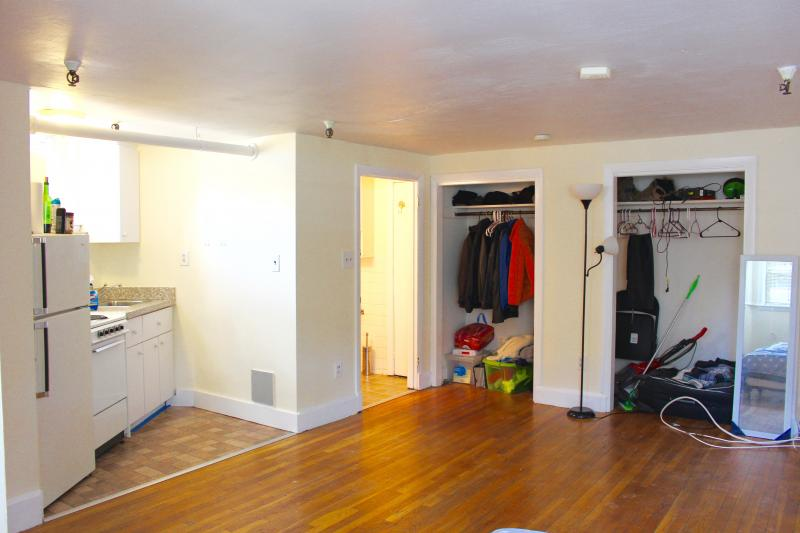 Awesome Studio, Great Price - Sept. 1 Move - Parking For Rent