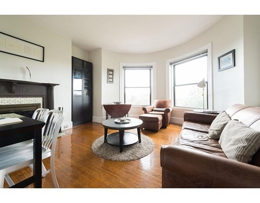 1 Bed, 1 Bath apartment in Boston, Back Bay for $2,595