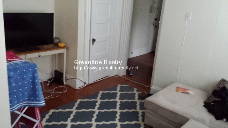 2 Bd, Parking For Rent, Laundry in Building