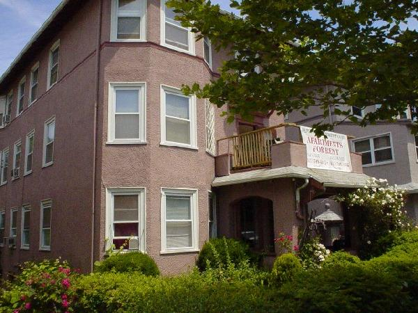 5 Bd on Washington St., Avail 09/01, Parking Included, Photos