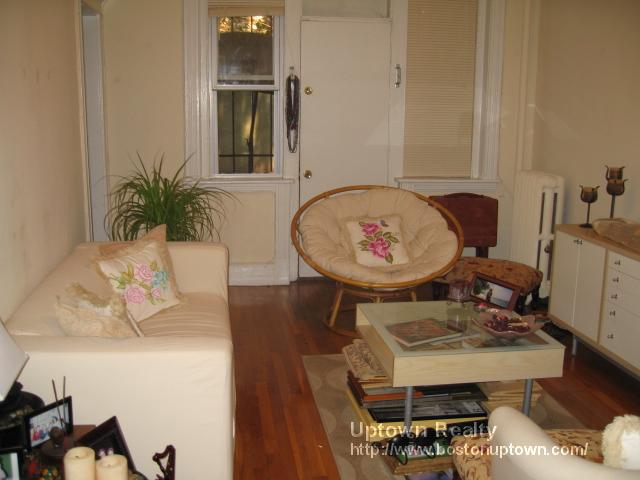 Great Pet Friendly Two Bed - Cats and Dogs are ok - Available August 1