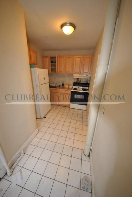 3 Beds, 1 Bath apartment in Boston, Allston for $2,495
