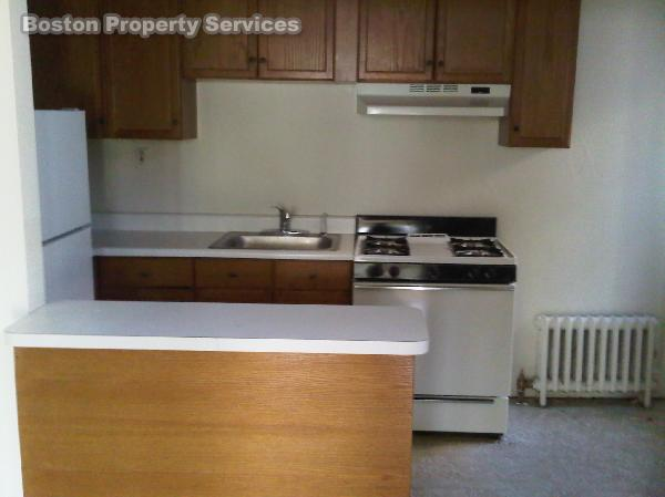 Beacon St., Avail 12/01, HT/HW, Parking Available, Photos