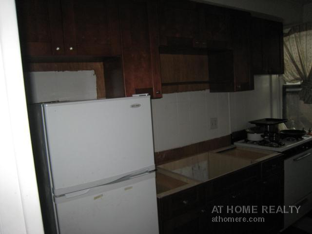 VERY NICE 3 BED ON COMM AVE STEPS FROM THE T//HT HW INC FOR 9.1