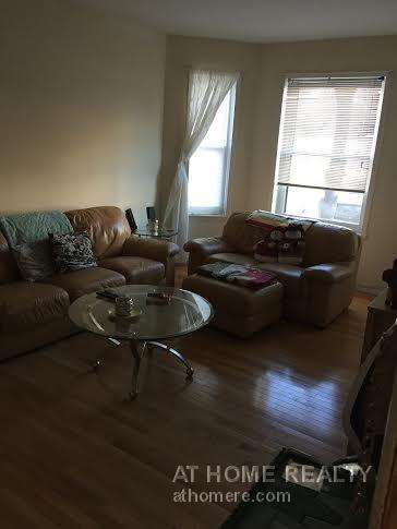 RENOVATED HUGE 3 BED/PRIME BC/HT+HW INCL/FOR 9-1