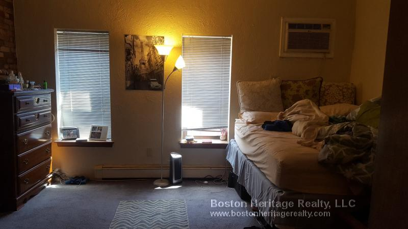 2 Beds, 1 Bath apartment in Boston, Fenway for $2,900