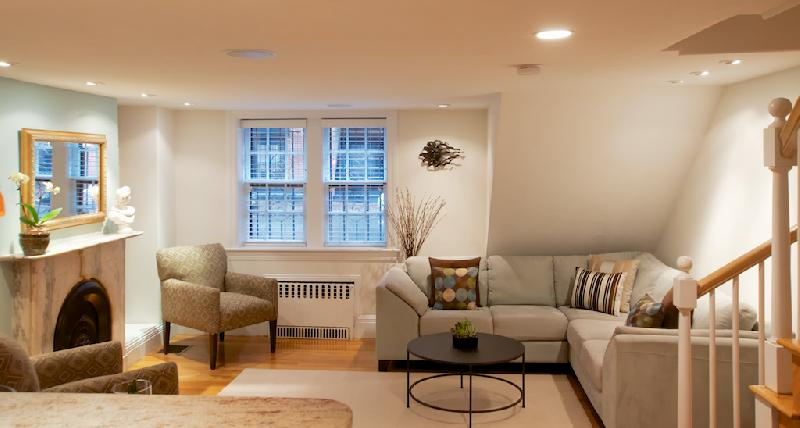 Furnished & Luxuriously Appointed 2 Bd Available for Short & Long Term