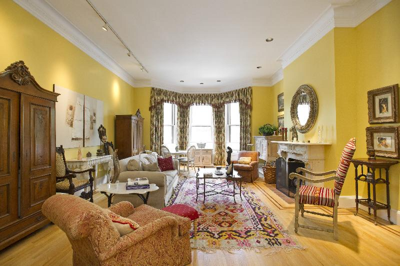1 Bd on Commonwealth Ave., Include Util., Avail 11/01, Photos