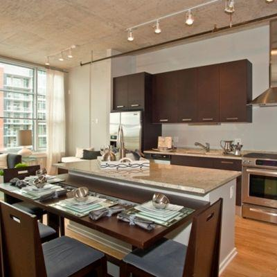 2 BED DEN IN THE SOUTH LOOP