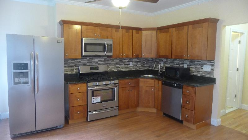 3 Beds, 1 Bath apartment in Boston, South Boston for $3,500