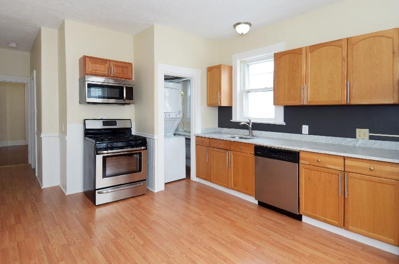 7 Beds, 2 Baths apartment in Boston, East Boston for $4,500
