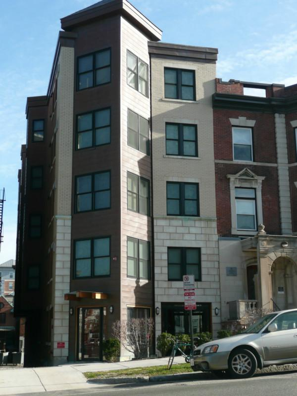 1 Bd on Park Dr., Avail 01/01, HT/HW, Parking Available