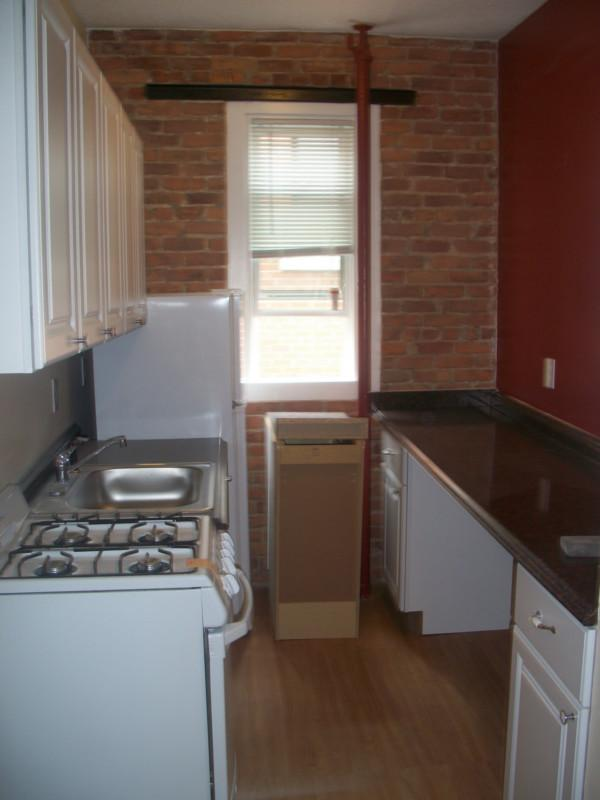 2 Beds, 1 Bath apartment in Boston, Fenway for $1,900