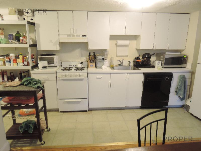 Spacious 3 Bd on Lanark Rd., Avail 09/01, Laundry in unit, Hardwood