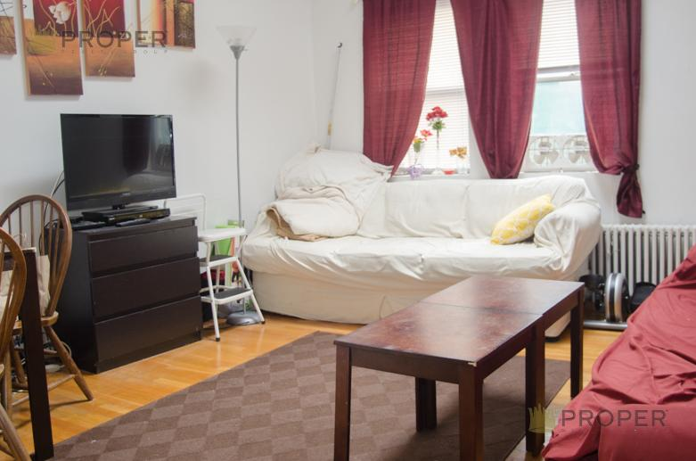 Phenomenal 3 Bd on Shepard St., Avail 09/01.  THIS PLACE WONT LAST