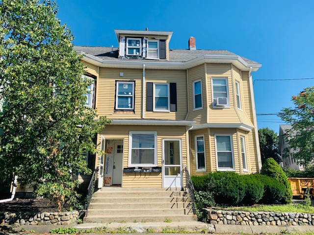2 Beds, 1.5 Baths apartment in Waltham for $2,375