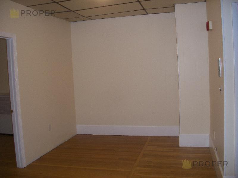 Beautiful Beacon St, Avail 09/01, Parking Available, See Photos!