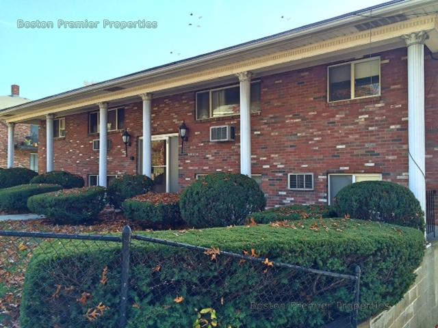 2 Beds, 1 Bath apartment in Quincy for $1,795