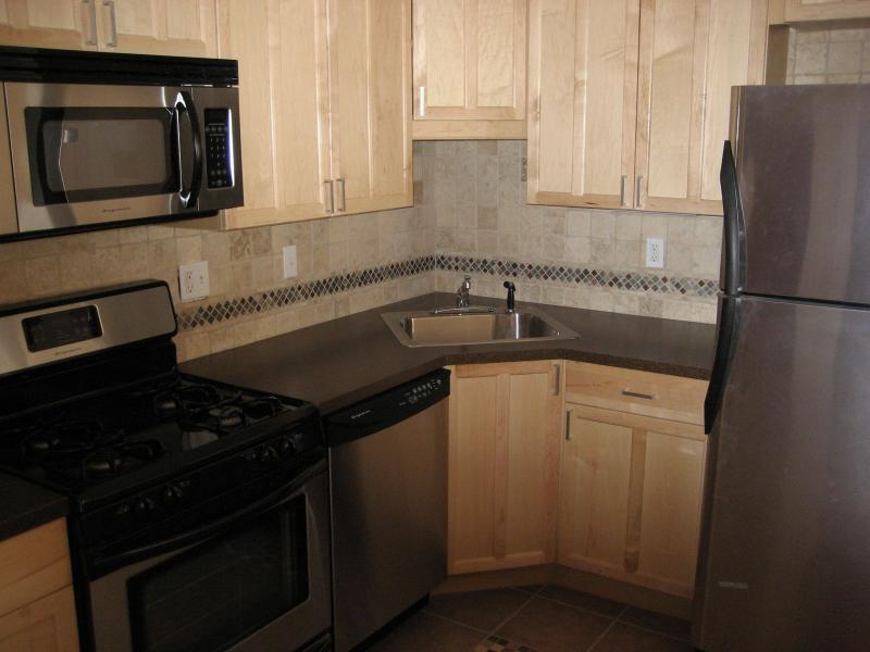 4 Bd on Saint Lukes Rd., Disposal, Stainless Steel Appliance(s), Deck