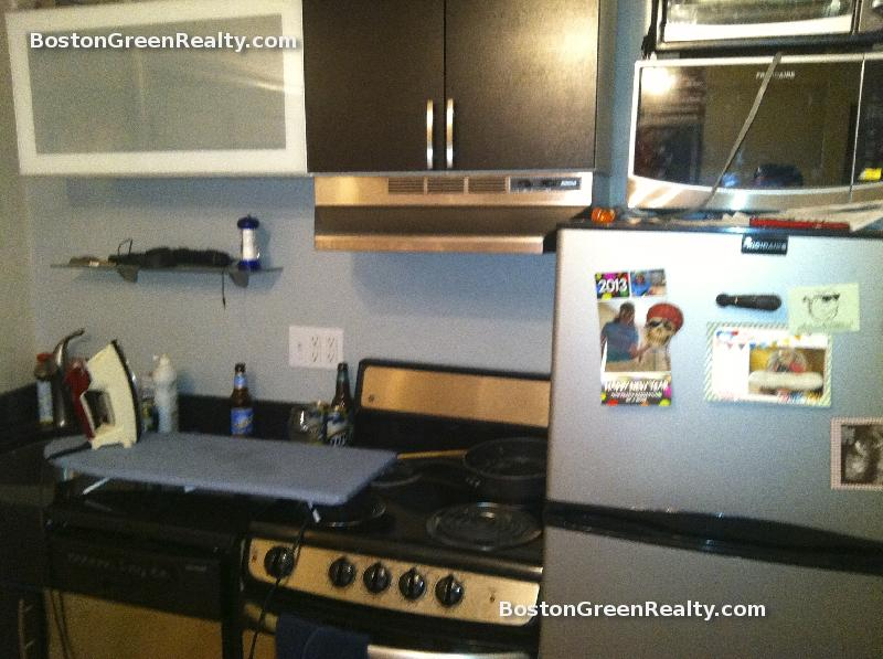2 Bd on Bartlett Pl., Granite Counter Tops, High Ceiling, A/C, A/C