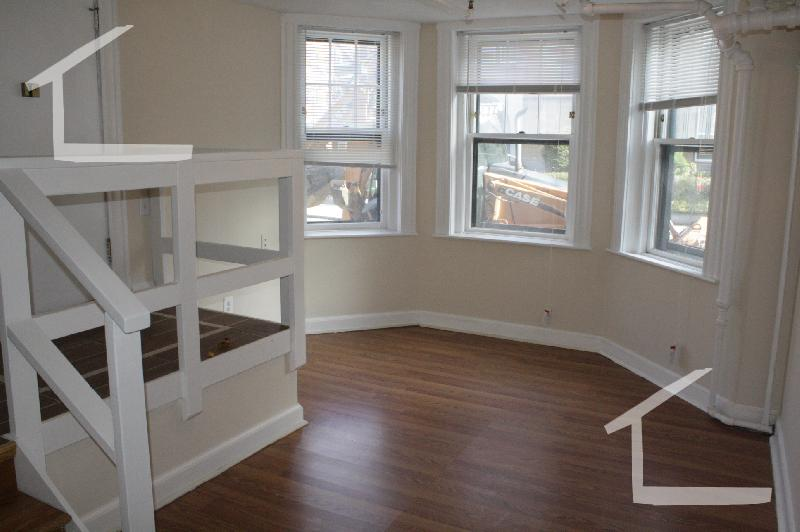 8 - 3 Bd, Pet Ok, Laundry in Building