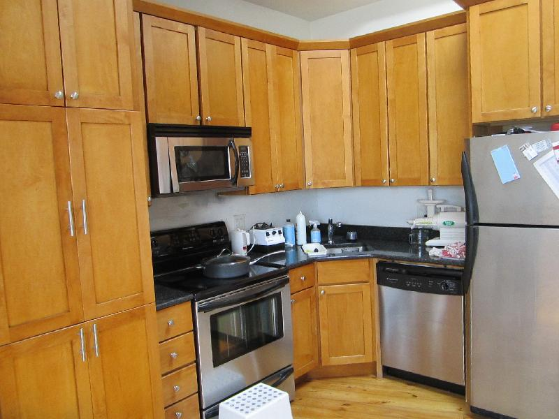 MUST SEE DEAL OF THE YEAR #### RENOVATED 2 Bd, Avail 09/01