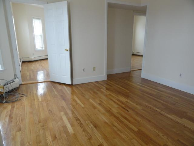 2.5 Beds, 1 Bath apartment in Somerville, Winter Hill for $2,185