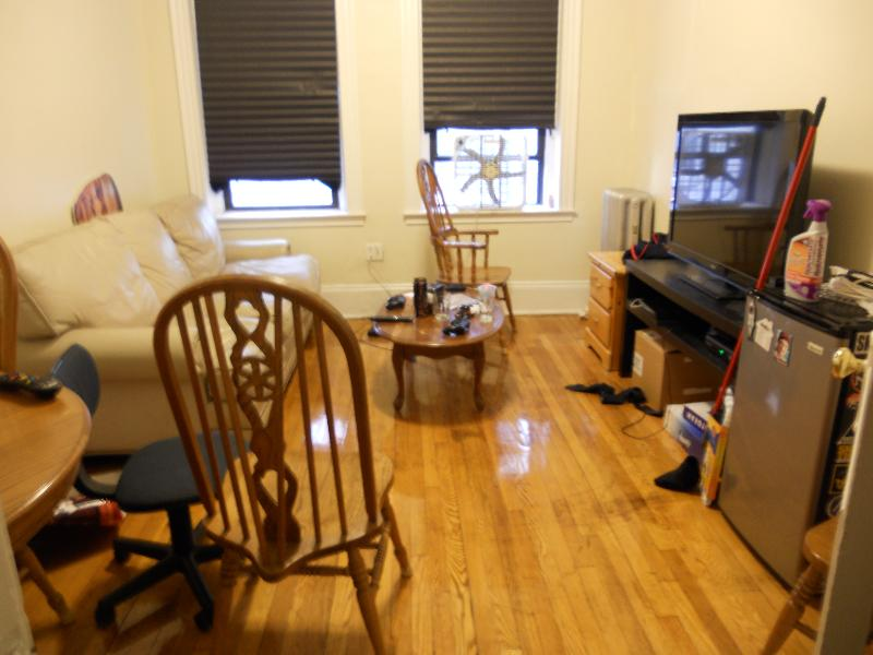 Large 2 bed split with tone of living space