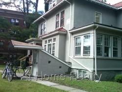 NICE GARDEN LEVEL 1 BED IN AWESOME LOCATION STEPS TO B LINE