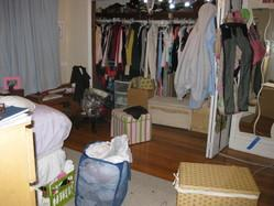 GIGANTIC 4 BED IN VICTORIAN HOUSE//OFF-STREET PKG INC//IN UNIT LAUNDRY