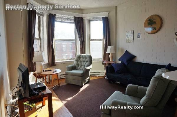 Cozy two bedroom! ~~ Avail 09/01 ~~ Modern Bath