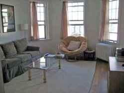 1 Bd on Commonwealth, HT/HW, Avail 06/01, Laundry in Building, Photos