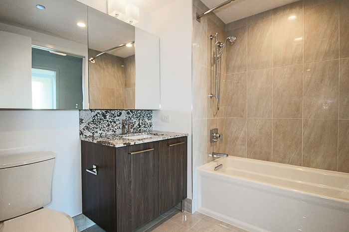 RIVER NORTH 1 BED