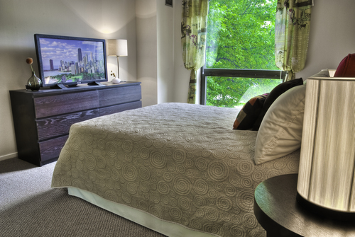 2 BED/2 BATH IN THE GOLD  COAST