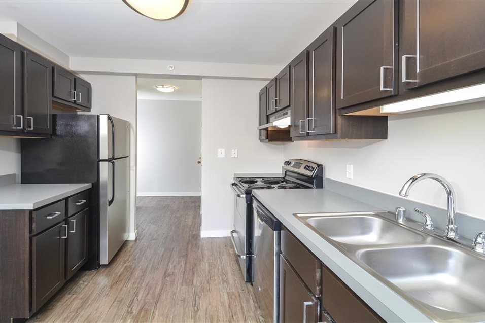 2 BED TOWNHOME IN RIVER NORTH