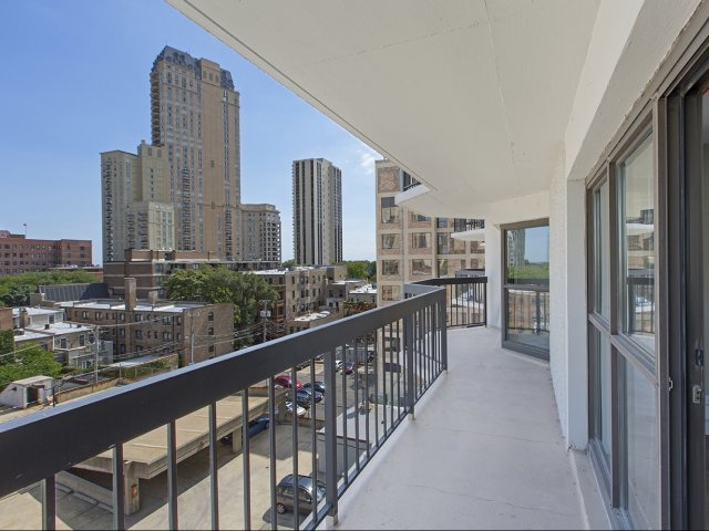1 BED IN LINCOLN PARK