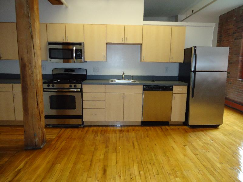 1 Bd, NO FEE, Parking Included