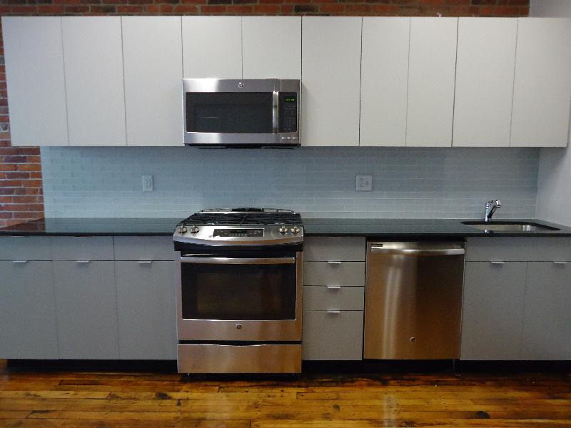 1 Bed on Tremont St., Includes Util., High Ceiling, Loft, PICS, 7/1