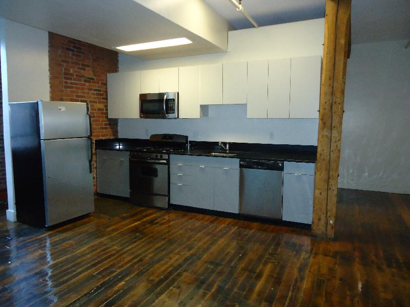 2 Bd, NO FEE, Storage, Hardwood Floors, Ceramic Tiles, Modern Kitchen