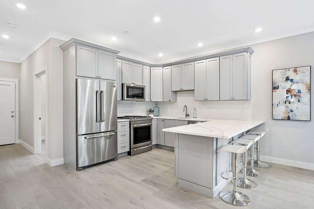 3 Beds, 2 Baths apartment in Boston for $4,250