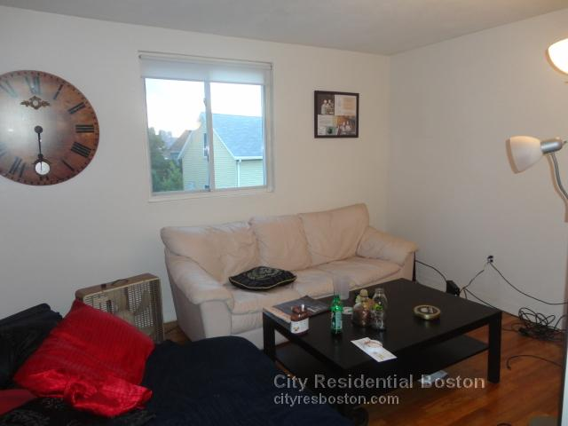 2 Beds, 1 Bath apartment in Boston, South Boston for $2,000