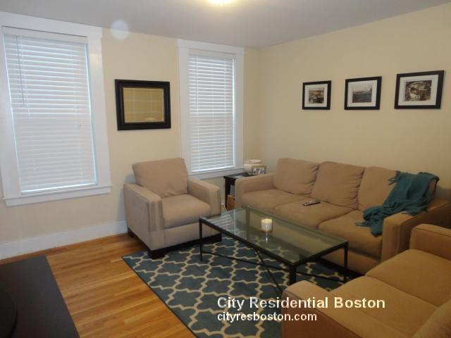 3 Beds, 1 Bath apartment in Boston, South Boston for $2,700