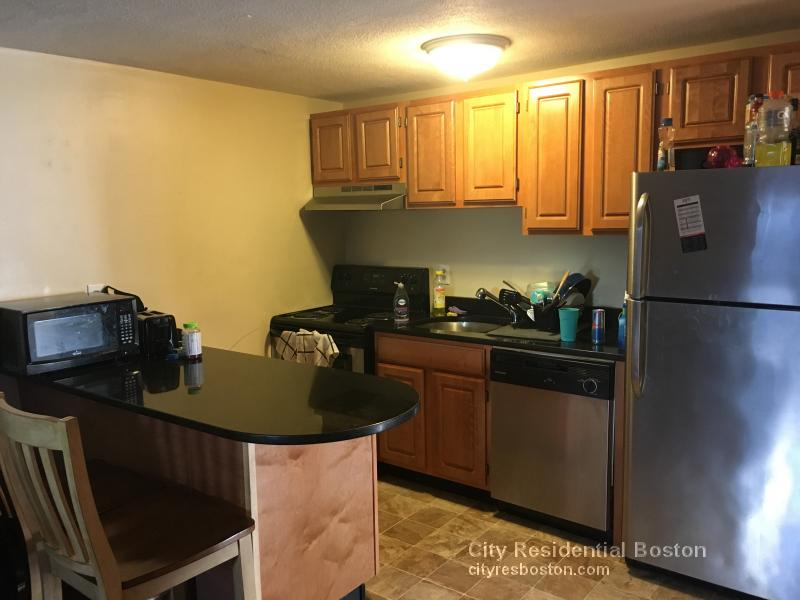 2 Beds, 1 Bath apartment in Boston, South Boston for $2,450