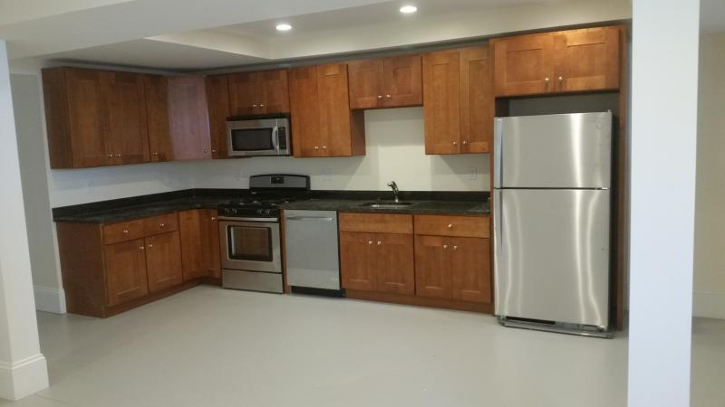 1 Bd,in a 4 bed2 Bath, , Hardwood Floors, Stainless Steel Appliance(s)