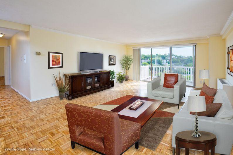1 Bd on Beacon St., 1.5 Bath, Bike Room, Dishwasher, Fitness Center