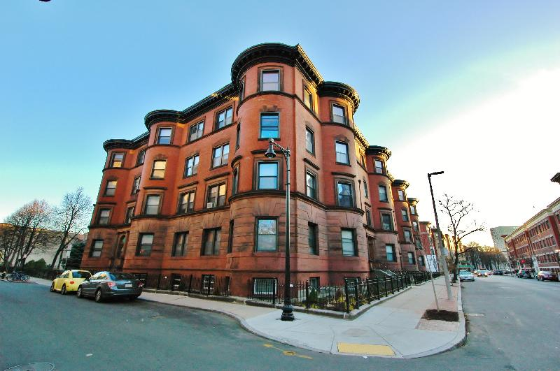 5 Beds, 2 Baths apartment in Boston, Fenway for $4,500