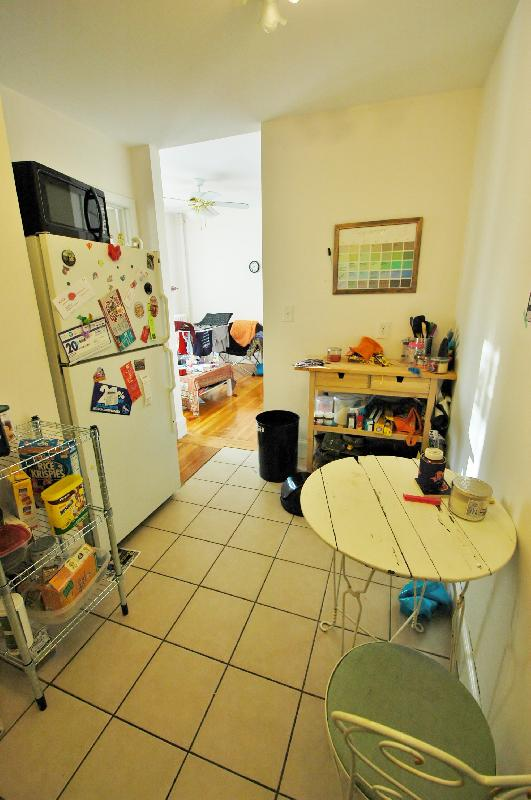 Updated Westland Ave 2 Bedroom Apartment