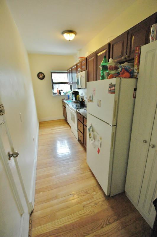 AVAIL 9/1 - 2 BED 1 BATH - VERY AFFORDABLE, FULL 2 BED ON LONGWOOD AVE