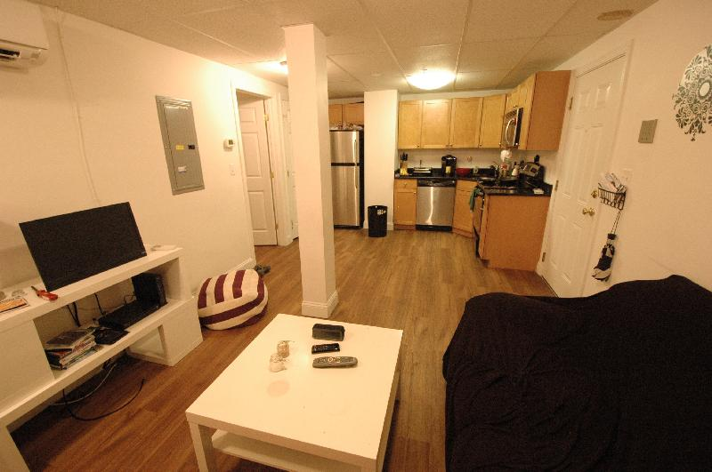 Avail 9/1 - Gorgeous, Renovated 2 Bedroom on Westland Ave - MUST SEE!!